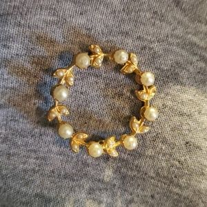 Jewelry - Gold and Pearl Brooch